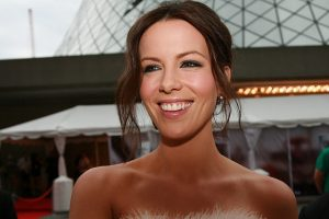 How Much Does Kate Beckinsale Weigh?